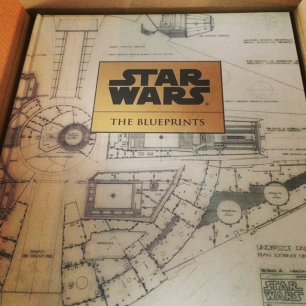 birthday gift from my folks: a limited edition rare Star Wars book. AAHHH YYEEEAAHHH